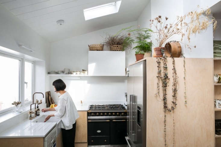Alexa details how to get the look of botanical stylist Yasuyo Harvey&#8\2\17;s minimalist kitchen in Steal This Look: A Botanical Stylist's Creative Kitchen Remodel in London. Photograph courtesy of The Modern House.