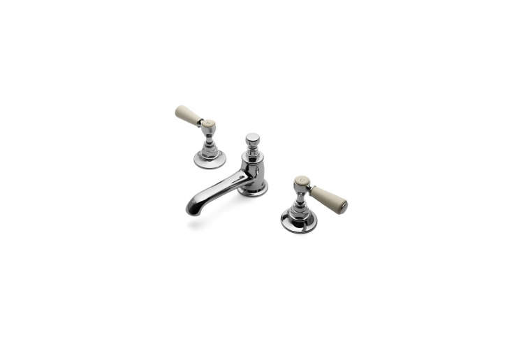 For the traditionalist, Alexa rounded up her picks for deck-mounted bath faucets with lever handles in this week&#8\2\17;s \10 Easy Pieces post.
