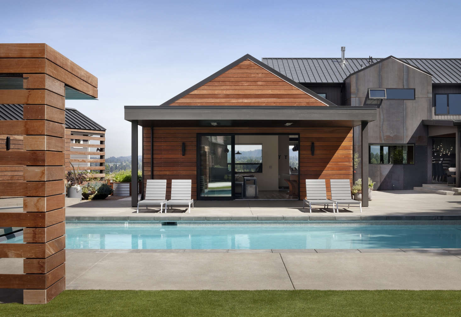 Collaborative Companies replaced an aging pool with one that is more central to the property; it&#8