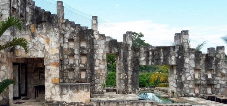 Coqui Coqui Coba Residence & Spa can also be booked via Mr. and Mrs. Smith.