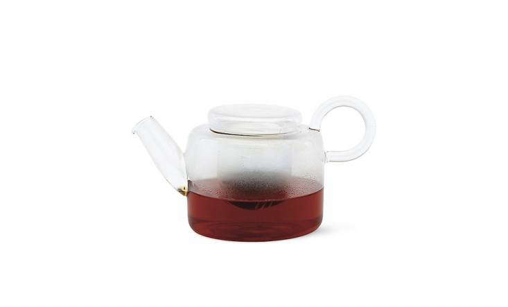 Designed by Italian Marco Sironi for German company Ichendorf, the Piuma Small Teapot is made in China of borosilicate glass. Says the retailer, &#8