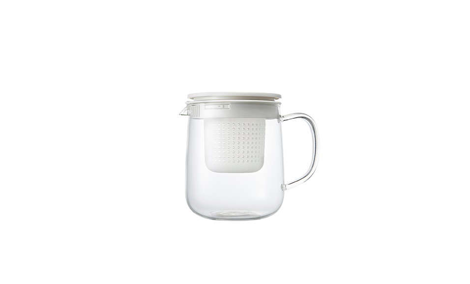 Only available in Europe, theHeatproof Glass Tea Pot from Muji has a removable tea strainer and holds one liter of water;£.95.