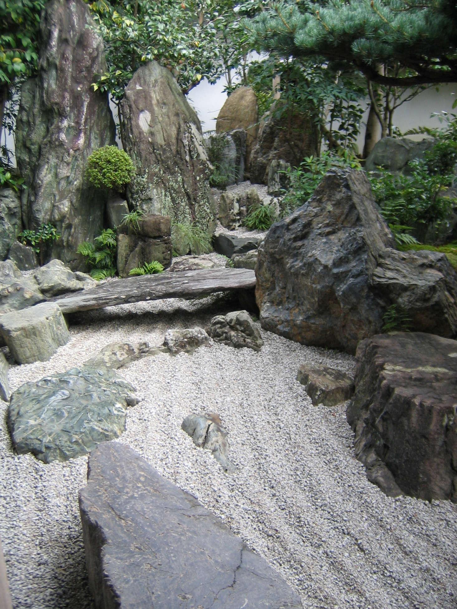 10 Garden Ideas to Steal from Japanese Zen Masters - Gardenista