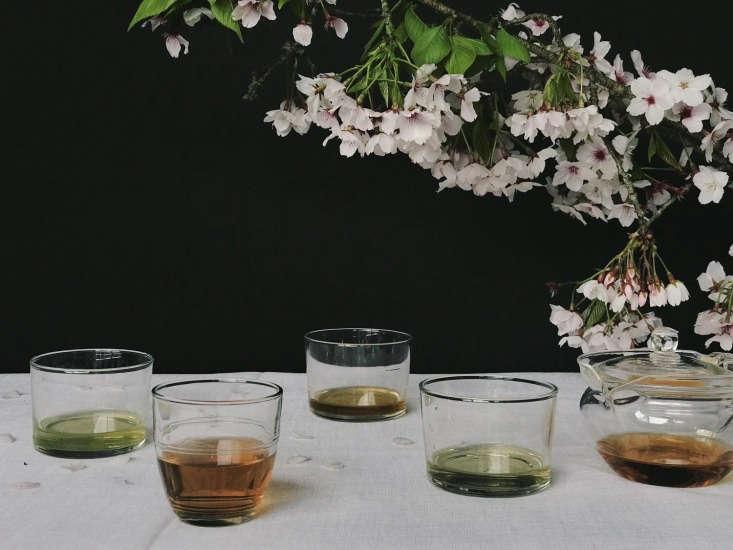 Moody Valentine&#8\2\17;s inspiration, courtesy of California-based tea company Leaves & Flowers.