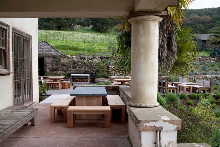 In restoring the hacienda, the Mariani brothers worked with architect David Darling of San Francisco firm Aidlin Darling to &#8
