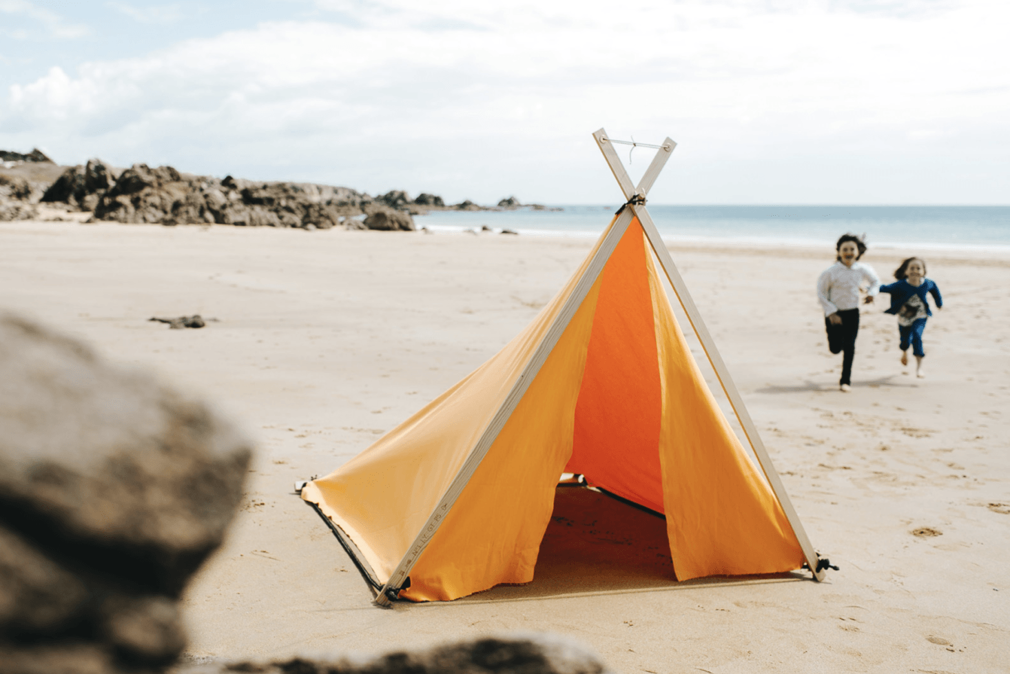 Île de Ré has a traditional tent shape and is the fastest style to assemble, in less than one minute. It&#8