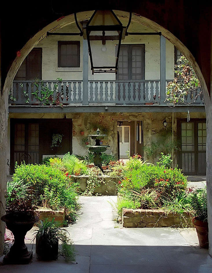 A courtyard garden in the French Quarter in New Orleans. Photograph by David Ohmer via Flickr.