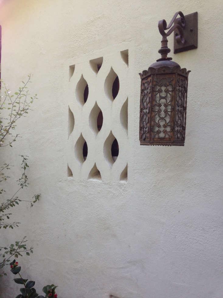 Original Spanish charm intact. Photograph courtesy of Roberto Sosa.