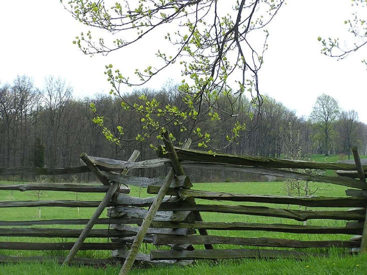 A split-rail fence at the edge of Wheatfield Road in Gettysburg. Photograph by Lcm63 via Flickr.