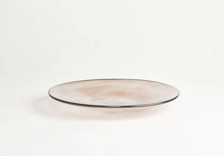 Fresco'sLarge Kasumi Plate in pink-inflected purple can be used either as a plate or a shallow bowl; it measures loading=