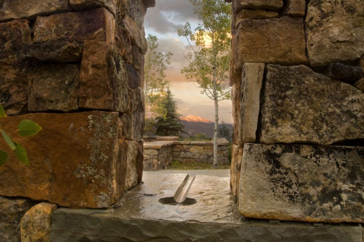 &#8\2\20;A rivulet of water at the base of a narrow window cut within the stone wall, oriented to a distant peak, creates a welcoming gesture in the garden.&#8\2\2\1;