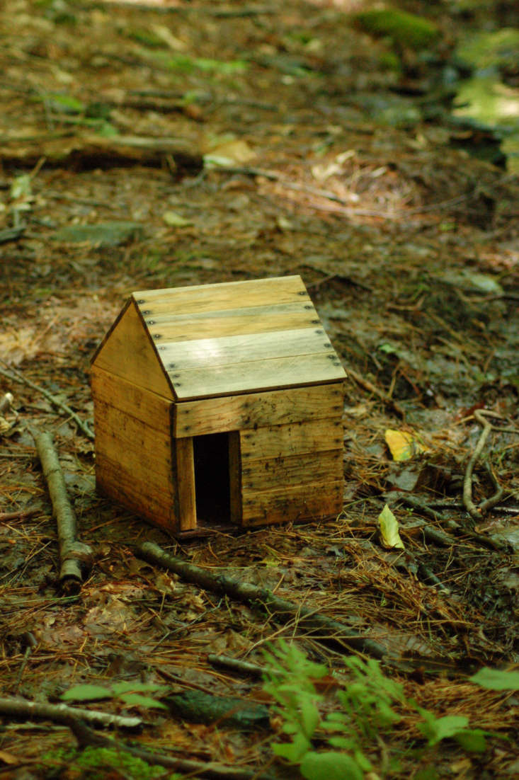 A fairy house with a peaked roof in Vermont. Photograph by Ketzirah Lesser & Art Drauglis via Flickr.