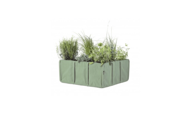 Also suitable for growing herbs and other edible plants, a nine-pocket Bacsquare 9 Kitchen Garden is a self-contained vegetable garden &#8\2\20;perfect to plant on a terrace&#8\2\2\1;; €\177.80 at Bacsac.