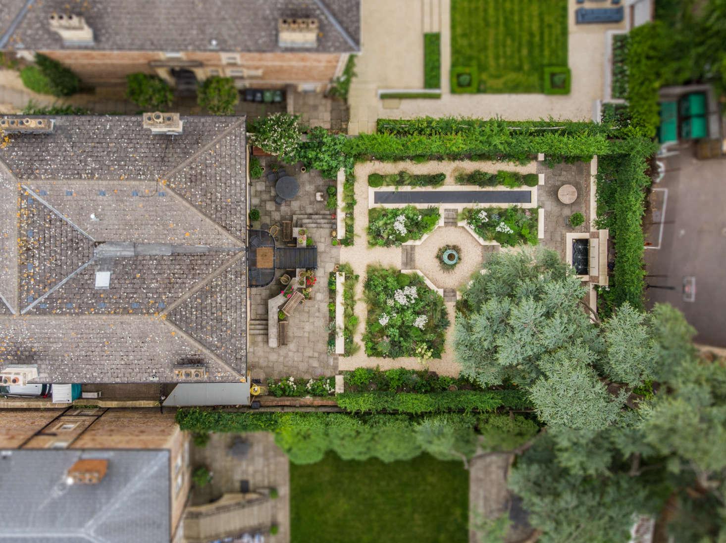 Before After A Modern Courtyard Garden For A Historic Home Gardenista