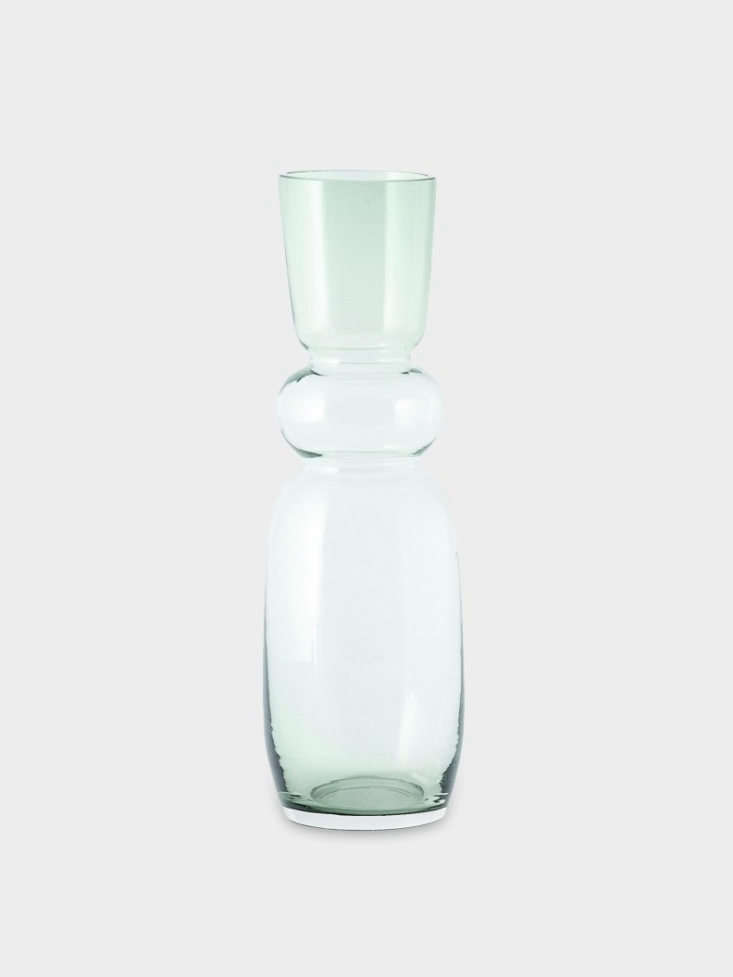 A green glass vase,Hyacinths &#8\2\16;Fulgor&#8\2\17; is about \1\1.\25 inches high and is \2\29kr (about \$\25.\20) at Zeta&#8\2\17;s.