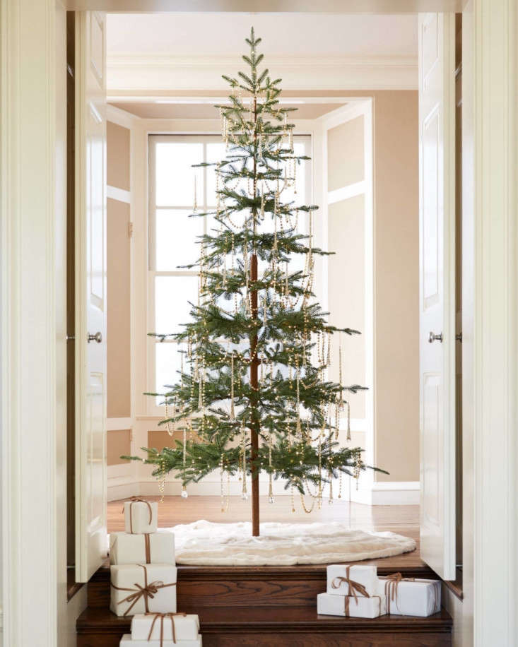 I say faux, you say fake, but we can agree this artificial Alpine Balsam Fir Christmas tree has an appeal. Available in six heights (from 4.5 to loading=