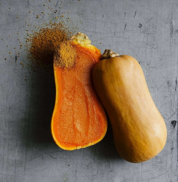 A packet of \1\2 seeds of Experimental 898 Squash is \$4.95.