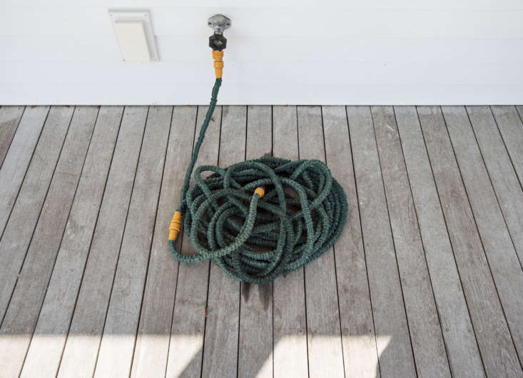 Sheila also has a lightweight retractable hose that she loves, she says, because it never kinks. See our picks at \10 Easy Pieces: Retractable Garden Hoses.
