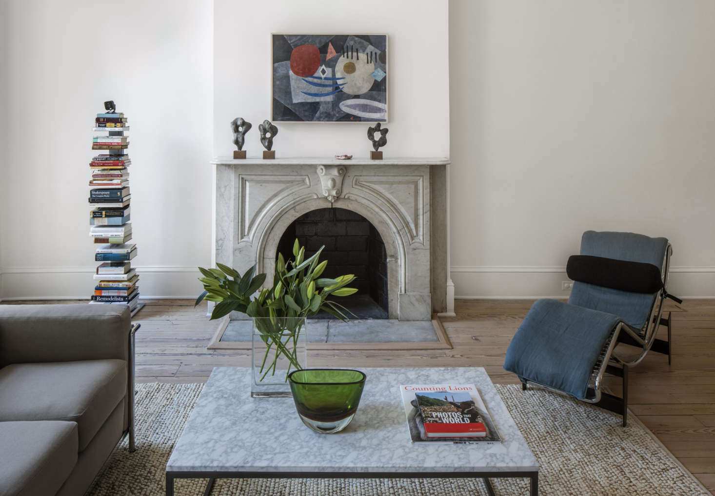 Margot visits the elegant townhouse of two DC insiders in Freedom of the Press: Inside Former Washington Post Editor Ben Bradlee's Georgetown House. Photograph by Richard Barnes, courtesy of Lauren Wegel.
