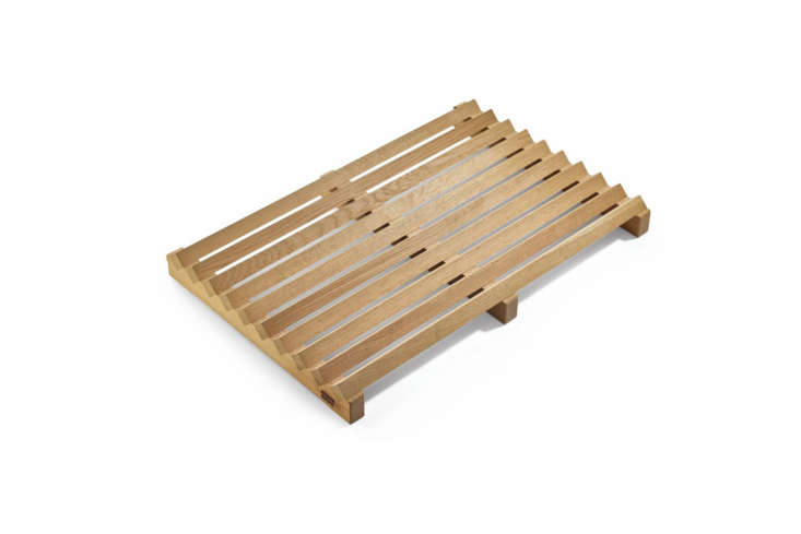 The Shoe Tray Made of Oak with a planed surface and untreated wood; €loading=