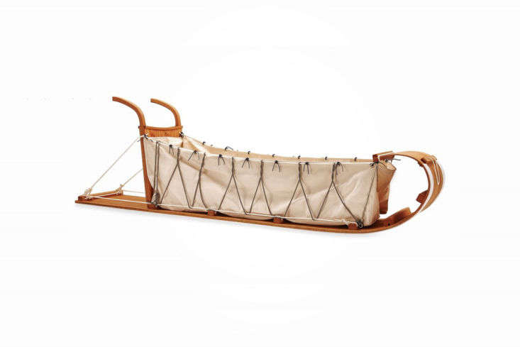 The Mercedes of snow sleds, the Fully Rigged Toboggan isone for the whole family. It&#8