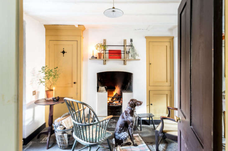 Pedro da Costa Felgueiras is a an expert on historical paints and pigments, so you just know his townhouse is going to have some exquisite colors in it. See True Colors: Historical Paint Expert Pedro da Costa Felgueiras' Beautifully Idiosyncratic London Home. Photograph courtesy of The Modern House.