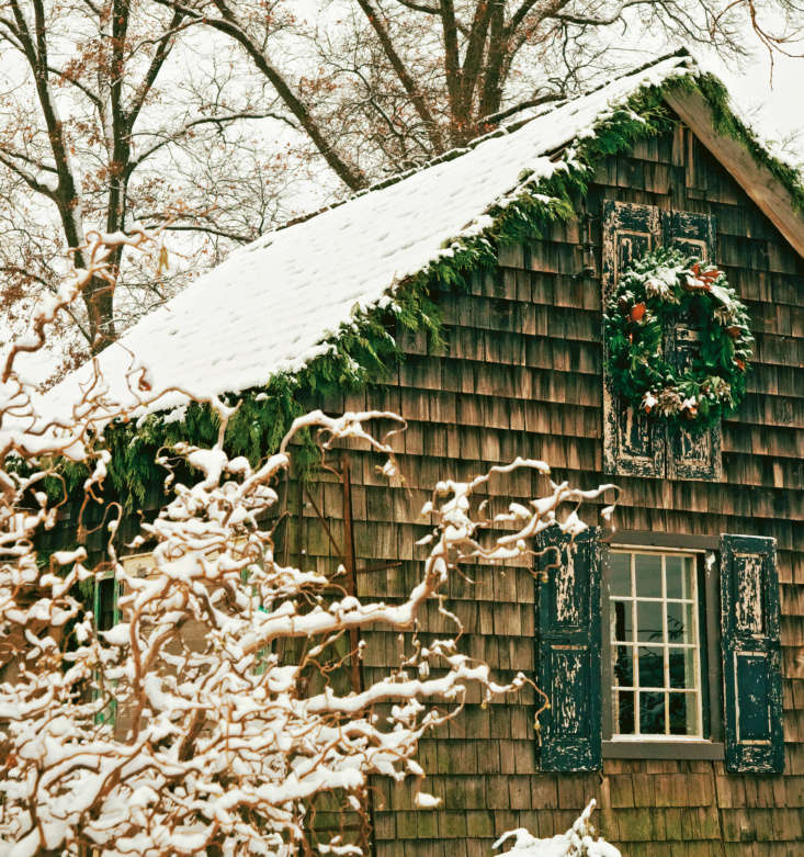 &#8\2\20;In the harsh winters of colonial America, immigrants from England, Scotland, Ireland, Holland, and Germany yearned for the familiar holiday traditions of their homelands,&#8\2\2\1; says Terrain. &#8\2\20;They turned to the most abundant resource of their new country—its boundless wilderness—to craft seasonal décor.&#8\2\2\1;
