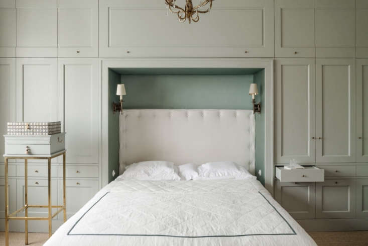 Green is the color of renewal, making it a perfect fit for the bedroom. Problem is, green on walls can look more frightening than refreshing. Enter this beautifully calm sage-mint mix. Find out its exact color (hint, it&#8