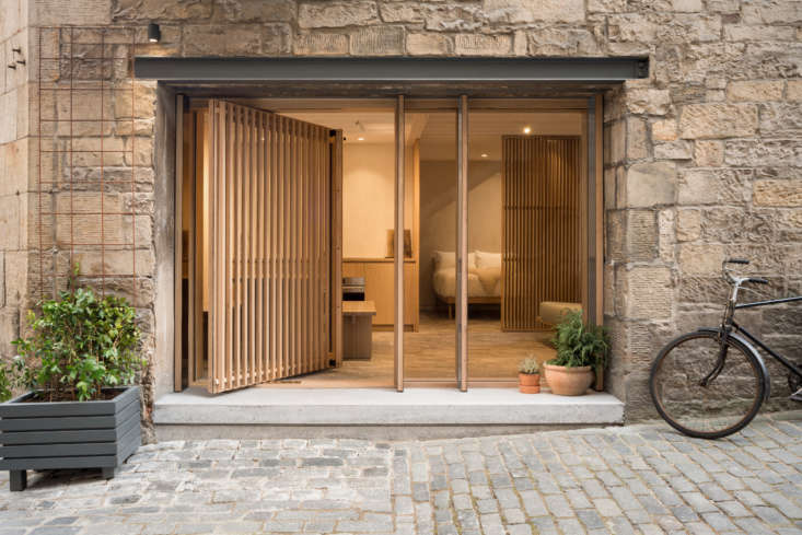 This stylish one-bedroom bolthole,&#8\2\20;located in Edinburgh's Old Town, originally served as a blacksmith's shop with a holding pen for horses and carriages on the ground floor,&#8\2\2\1; writes Margot.Photograph by Zac & Zac, courtesy ofIzat Arundell.