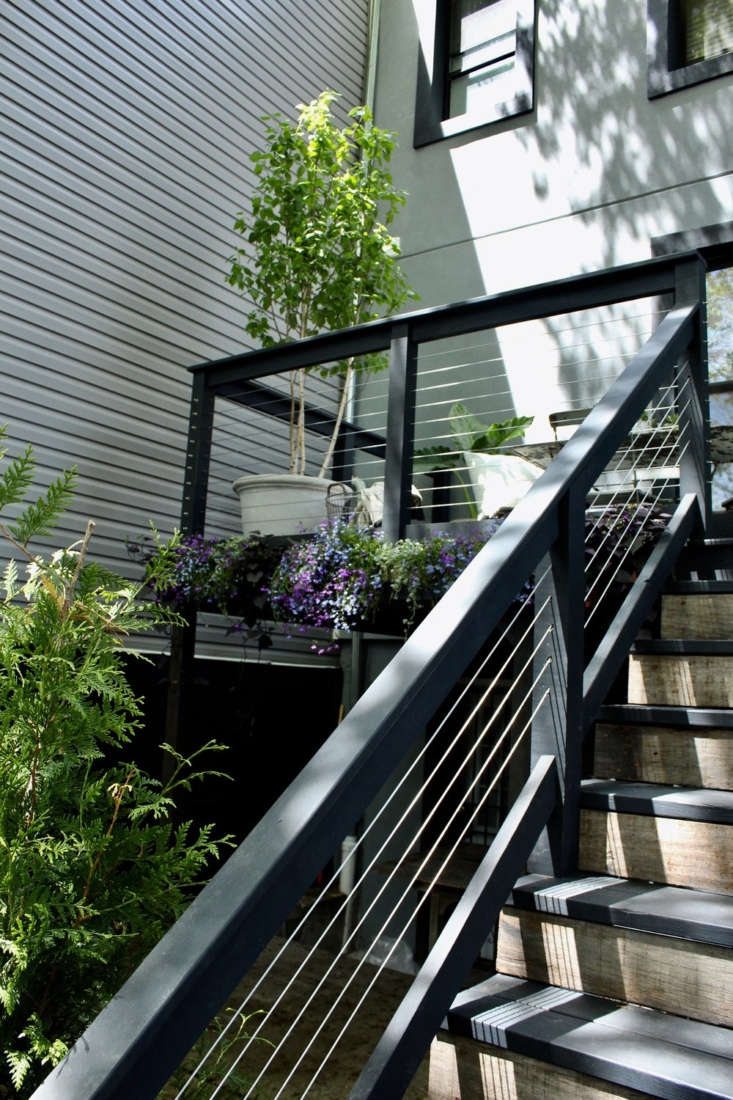 A deck or balcony is an ideal place for plants in a city garden, but you&#8