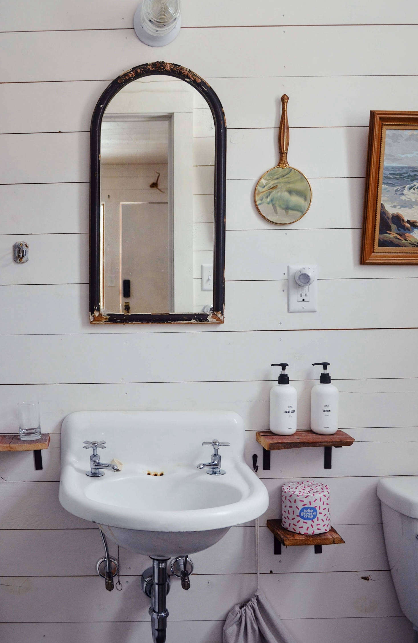 This adorable sink? It cost just $ on Craigslist. See more incredible bargains in Furnish Your Place on Craigslist:  Tips for the Discerning Bargain Hunter. Photograph courtesy of Red Rose Motel.