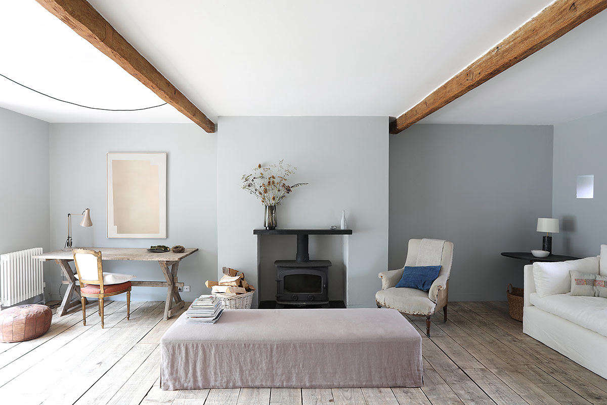 Interior designer Cassandra Ellis, a Remodelista favorite, shares inspiring glimpses of her countryside retreat in Like Walking Through a Sonnet: A Serene East Sussex Barn by Cassandra Ellis. Photograph via Light Locations.