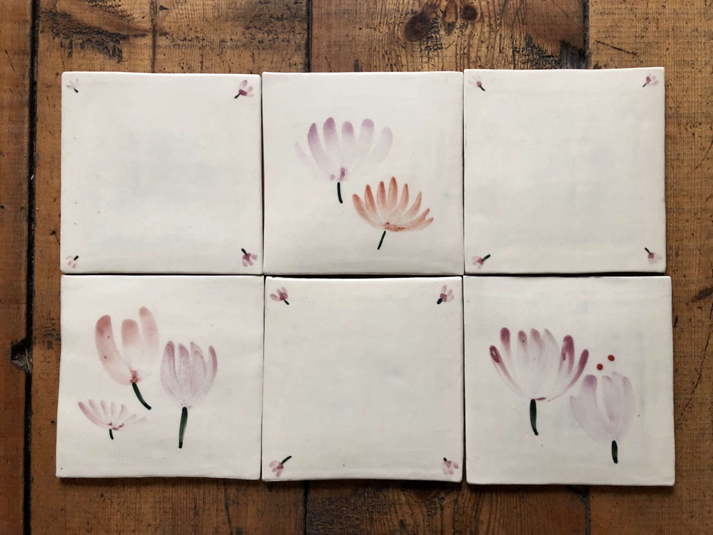 These charming hand-painted tiles that Julie discovered would be perfect in a country home. See Whimsical Hand-Painted Tiles from UK Artist Lisa Hardy + Edit58.