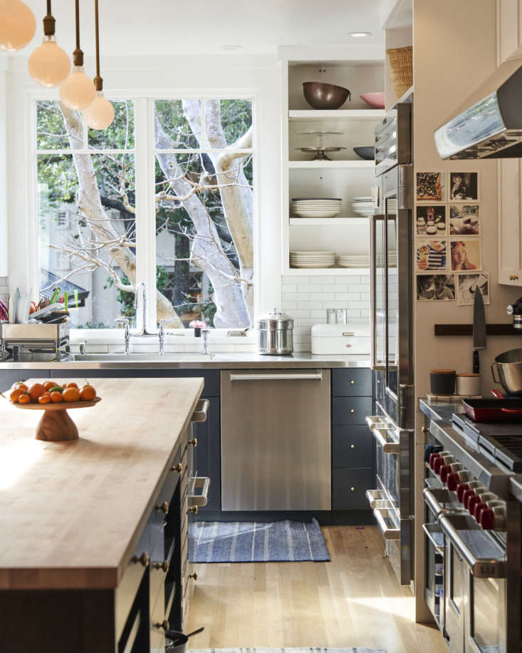 See a real chef&#8\2\17;s kitchen—hardworking and hard-wearing—in Kitchen of the Week: Practical Magic in Phyllis Grant's Berkeley Kitchen. Photograph by Thomas Story, courtesy of Phyllis Grant.