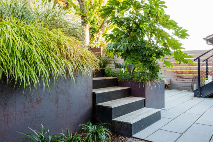The courtyard&#8\2\17;s pavers are precast Narrow Modular Pavers from Stepstone.