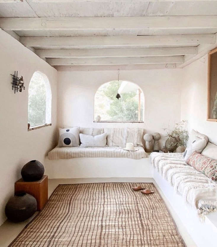 If you have any sort of outdoor space, now&#8\2\17;s the time to give it some love in preparation for warm weather lounging. This porch in a stylish rental in the Mojave fits the bill. See Merchant House High Desert: A Spanish-Style Oasis in the Mojave.