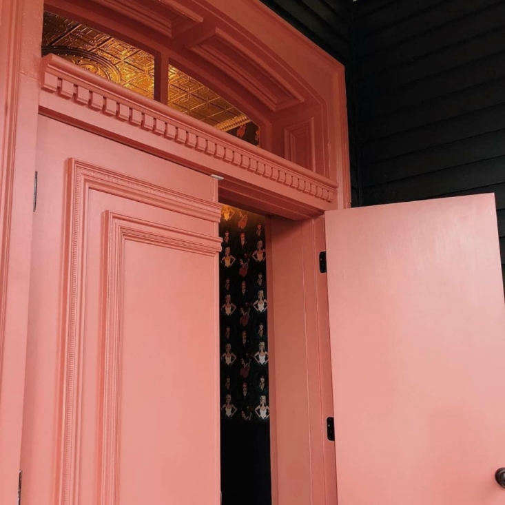 The dentil crown molding on the original doors had been thoughtlessly concealed behind the former doors. It was replicated and rebuilt by Fred Drake (of Damour Drake) so that it&#8\2\17;s visible once more. Photograph by Amanda Sanchioni.
