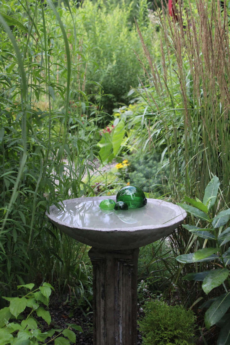 &#8\2\20;The pedestal with bird bath is a newer idea we&#8\2\17;re exploring. We&#8\2\17;re experimenting with larger-scale objects that create focal points and celebrate the natural elements in the garden,&#8\2\2\1; says Todd.