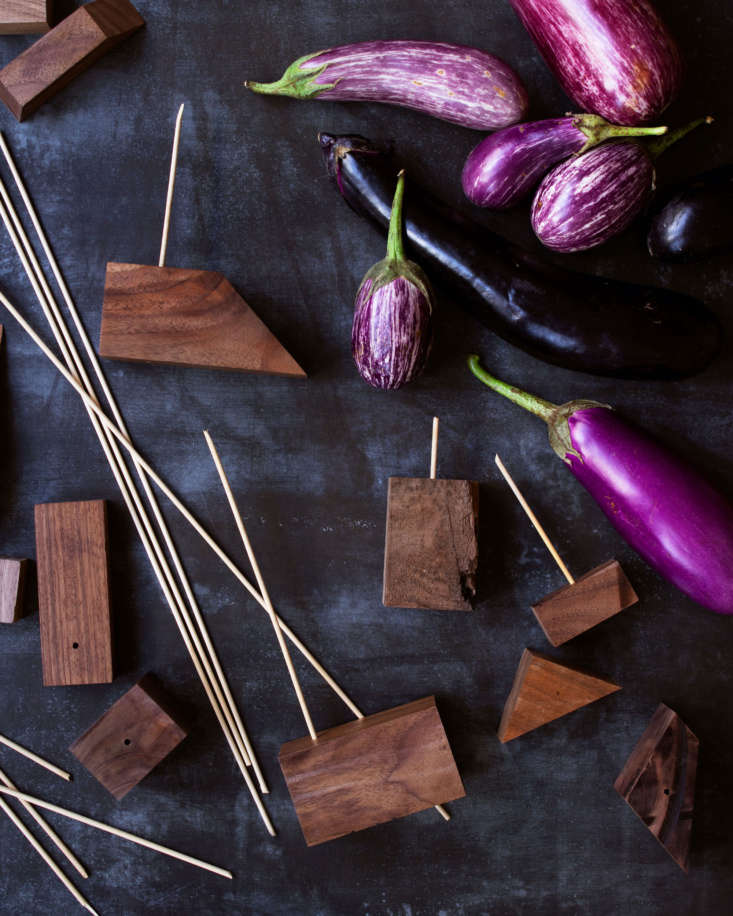 &#8\2\20;We arranged our eggplants using discarded blocks of walnut from our wood shop and simply added wooden skewers (from the supermarket) to hold the eggplants in place,&#8\2\2\1; says David.