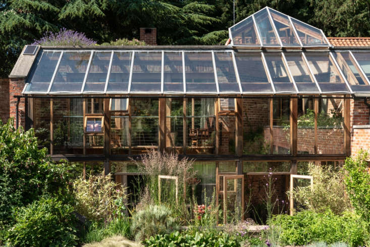 The defining feature of the house is a conservatory that promotes indoor-outdoor living. More importantly, it&#8