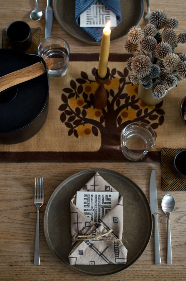 &#8\2\20;Use items you collect and love to add character to your table. We gathered midcentury-modern ceramics from around our house to display the flowers and pour the wine.&#8\2\2\1;