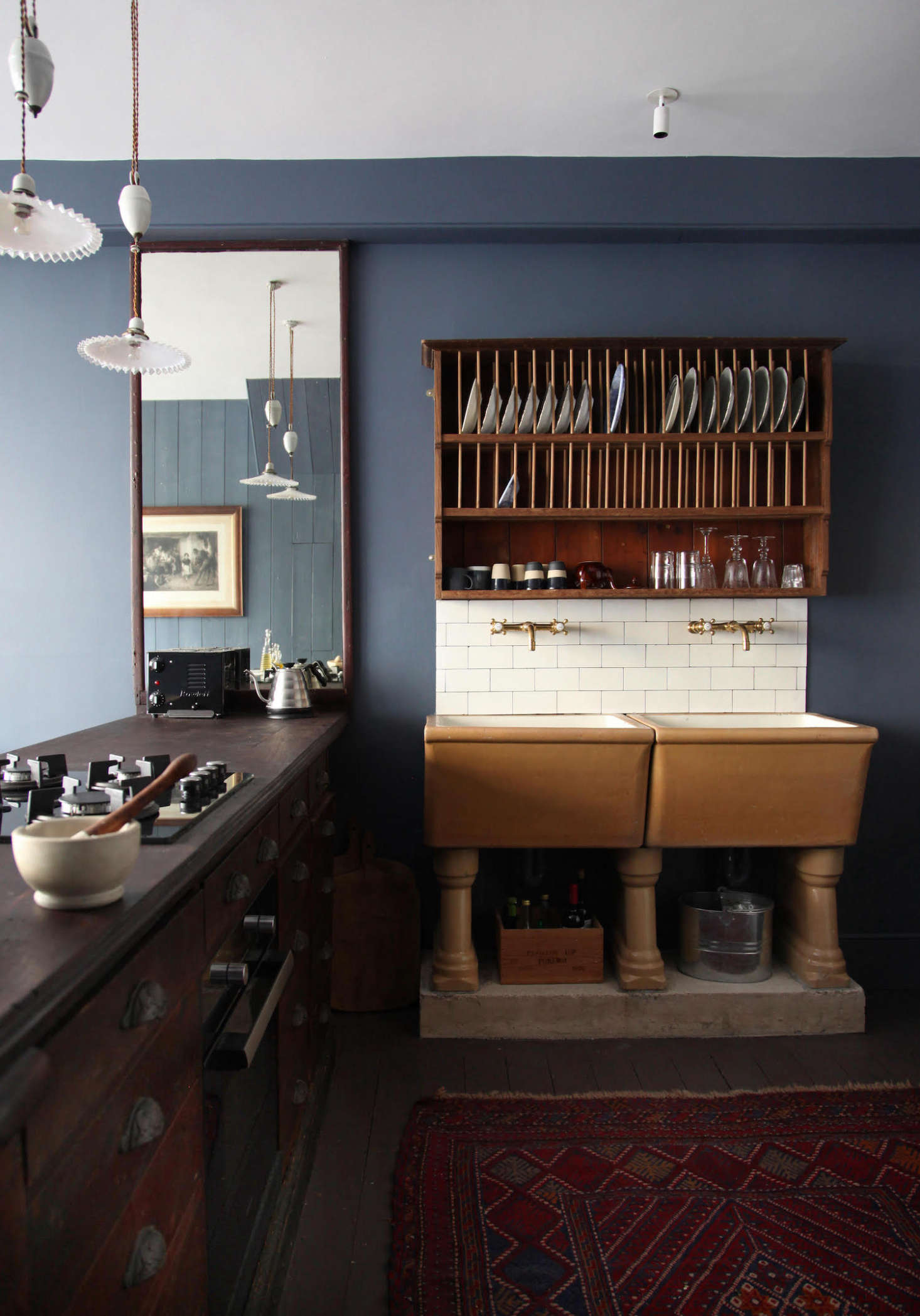 A kitchen without built-ins? It&#8
