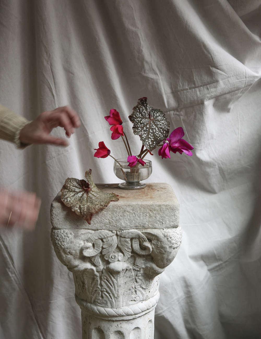 Design Sleuth: Flowers Without Foam - Gardenista