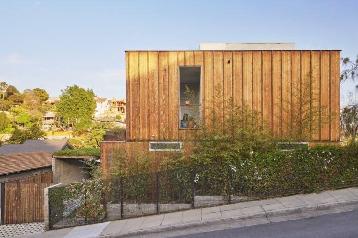 The house, designed by Fredrik, is set on a petite lot. When Terremoto took on the project, David remembers, &#8\2\20;Fredrik had designed the concrete aspects of the hardscape, and those were in place.&#8\2\2\1; Fredrik had also designed the powder-coated wire-mesh fence: &#8\2\20;It&#8\2\17;s designed to allow vines to grab hold and take over with time while still preserving a visual connection to the street and into the property,&#8\2\2\1; he explains. &#8\2\20;The fence facing the two neighboring properties is cedar planks. It has the same materiality as the house but untreated, allowing it to weather over time.&#8\2\2\1;