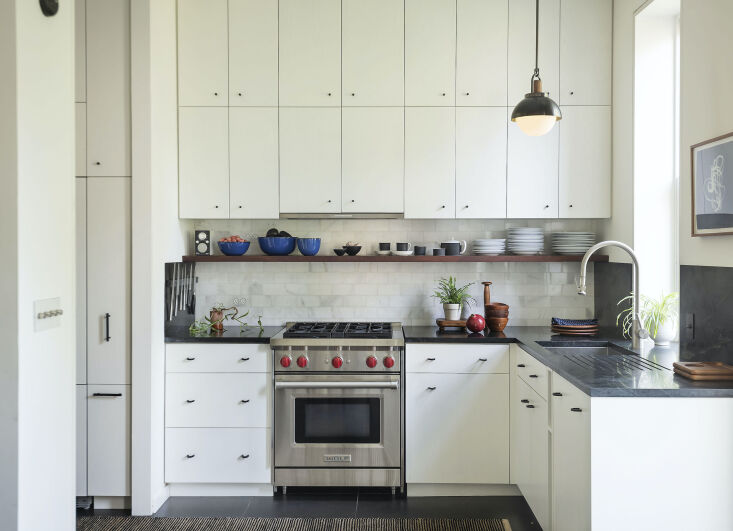 Some would say Elizabeth Roberts&#8\2\17; original kitchen was perfect; she liked it well enough, too, but wanted to change just a few things, including adding upper cabinets. See the full story in Kitchen of the Week: New York Architect Elizabeth Roberts's Own Kitchen Update, Before and After. Photograph courtesy of ERA.