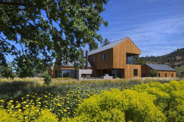 Architects Pfau Long and landscape architects Lutsko Associates consciously designed this Napa Valley property with appreciation of the changing seasons in mind. Photograph by Art Gray, from At Home in Wine Country.