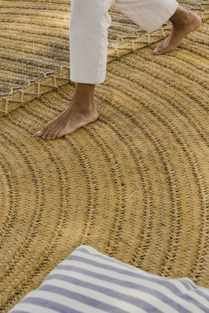 The rug is braided in Spain from esparto, a grass that&#8\2\17;s native to the region.