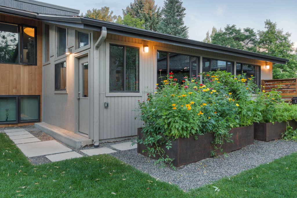 Steel garden beds and planter