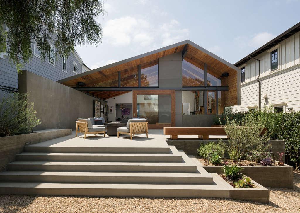 Art Barn Outdoor Living Space