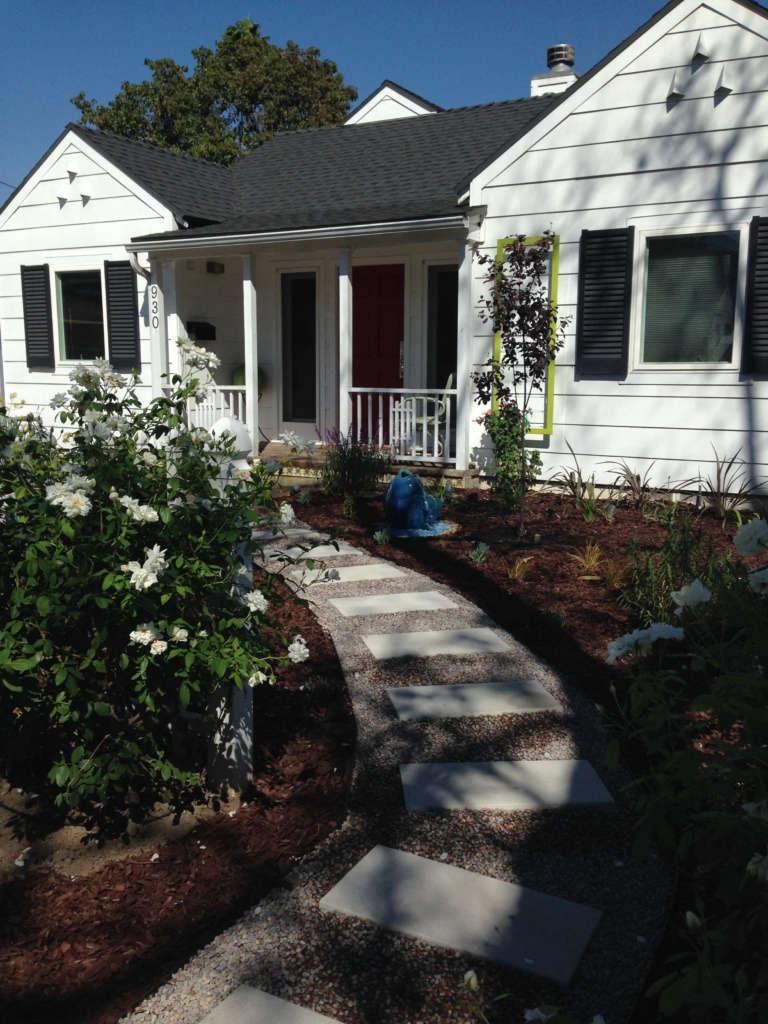Contemporary California Cottage Garden - Planting Day